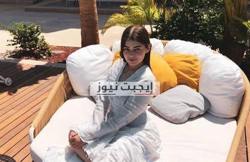 ليلى احمد زاهر تتألق في احدث ظهور لها بالفستان الابيض