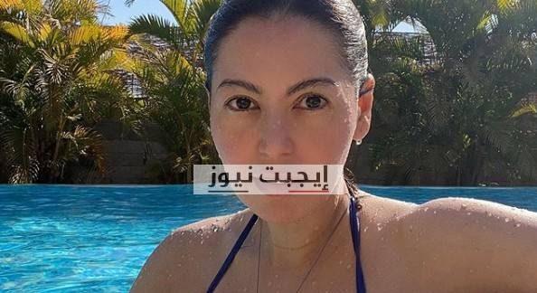 لقاء الخميسي تشارك جمهورها بصورة جديدة داخل حمام السباحة