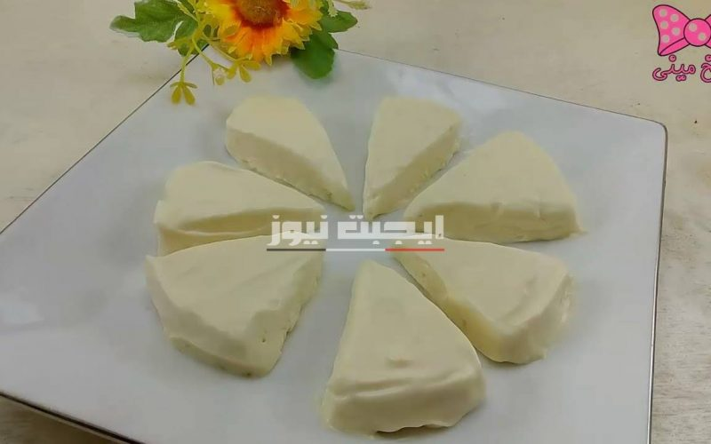 الجبنة المثلثات في المنزل