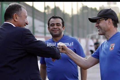الخطيب يتابع مران الأهلي اليوم
