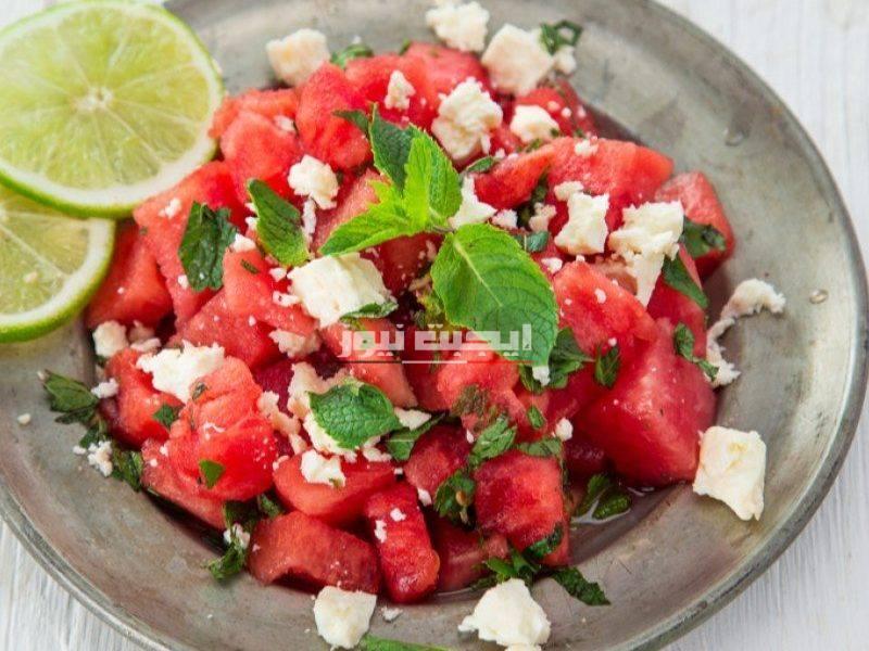 طرق مختلفة لإعداد البطيخ بالجبن الفيتا في المنزل