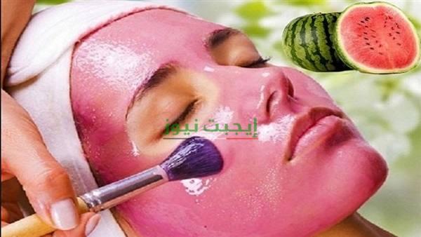 طريقة عمل ماسك البطيخ لترطيب البشرة