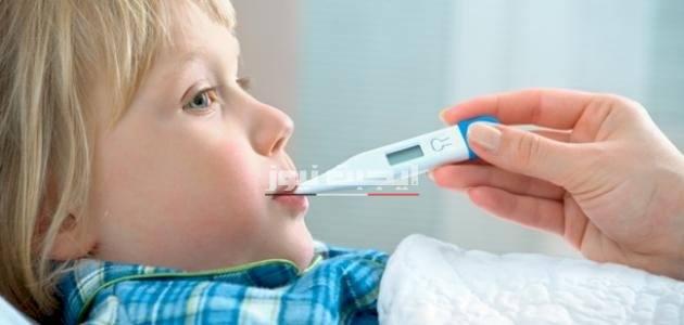 مشاكل تؤدي إلي إرتفاع درجة حرارة الطفل
