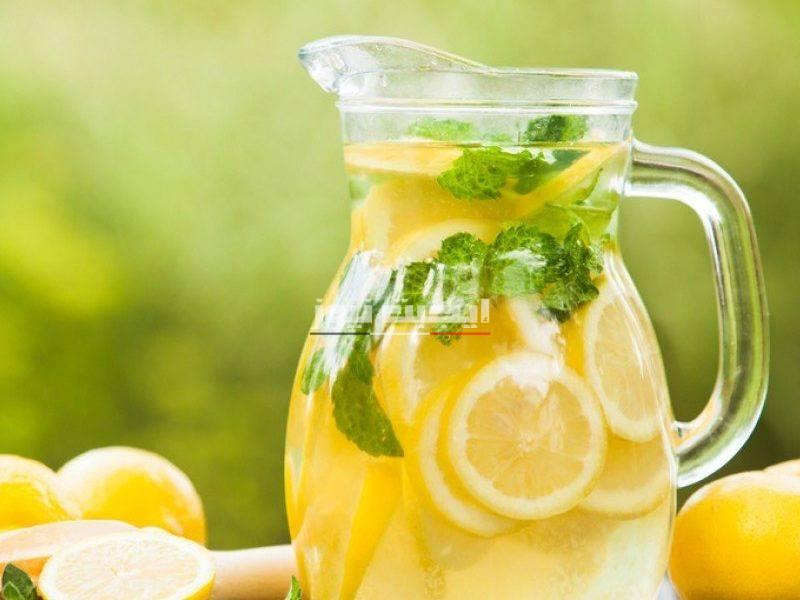 مشروبات أكثر فاعلية في حرق الدهون من الليمون