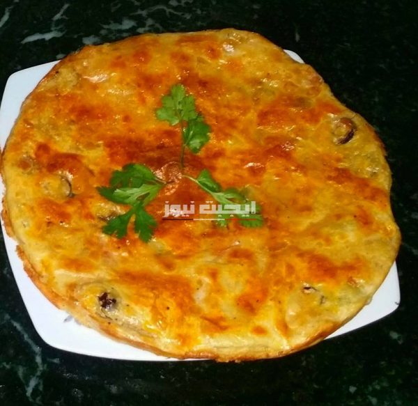 طريقة عمل فطيرة البيتزا في خطوتين