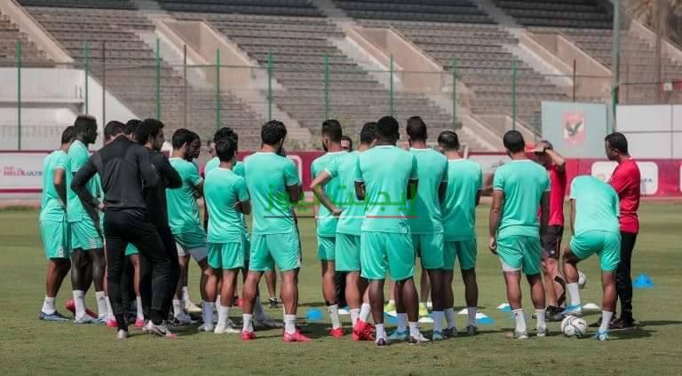 سعد سمير يحفز لاعبي الأهلي قبل قمة الزمالك