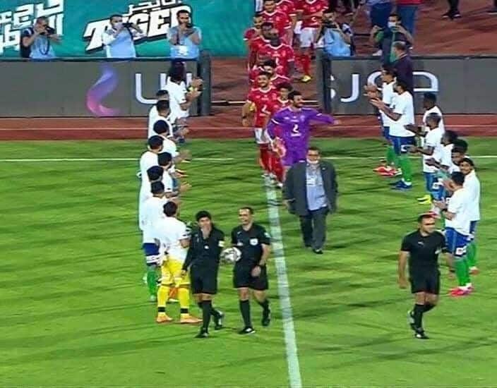 صور ممر شرفي للاعبي الأهلي من مصر المقاصة