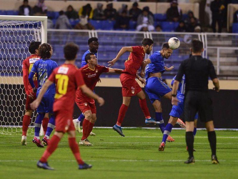 نتيجة الشوط الأول لمباراة ضمك والفتح بالدوري السعودي