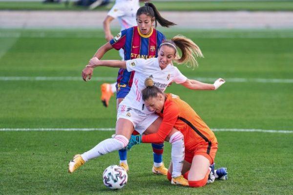 سيدات برشلونة تسحقن ريال مدريد في مباراة تاريخية