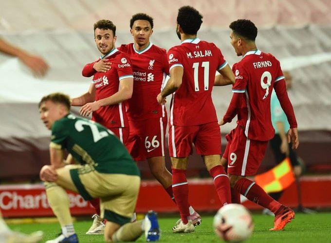 محمد صلاح يقود هجوم ليفربول أمام وست هام ومفاجأة في خط الدفاع