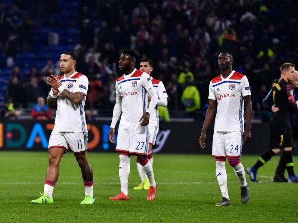 ليون يكتسح موناكو في الشوط الأول بالدوري الفرنسي