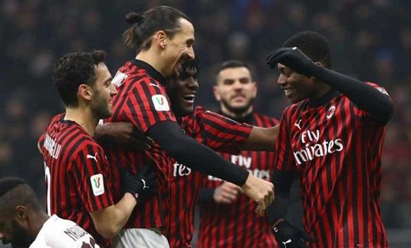 التشكيلة الرسمية لمباراة نابولي وميلان في الدوري الإيطالي