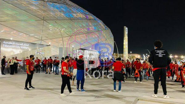 جماهير الأهلي تتوافد على استاد المدينة التعليمية في الدوحة
